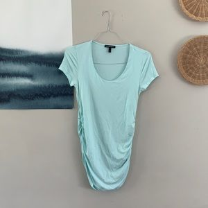 EUC Isabella Oliver Ruched Maternity T Shirt